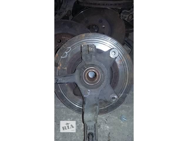 купить бу Б/у Цапфа с подшипником Renault Kangoo Кенго 1,5 DCI К9К B802, N764 2008-2012 в Луцке