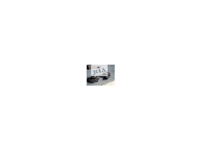 б/у Цапфы петедние Левая и Правая1.8 Т Volkswagen Passat В5 new 2002-2005г- объявление о продаже  в Львове