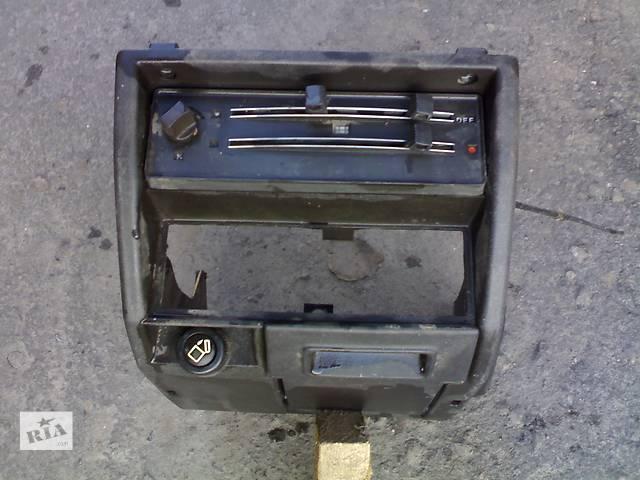 продам Б/у центральная консоль для легкового авто Audi 80 бу в Сумах