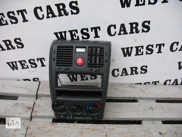 купить бу Б/у центральная консоль для легкового авто Hyundai Getz Hatchback 5D 2008 в Луцке