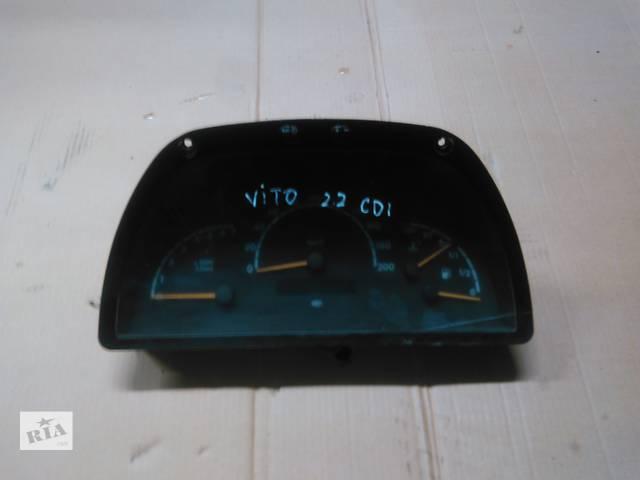 купить бу Б/у центральная консоль для легкового авто Mercedes Vito 2.2 dci в Ровно