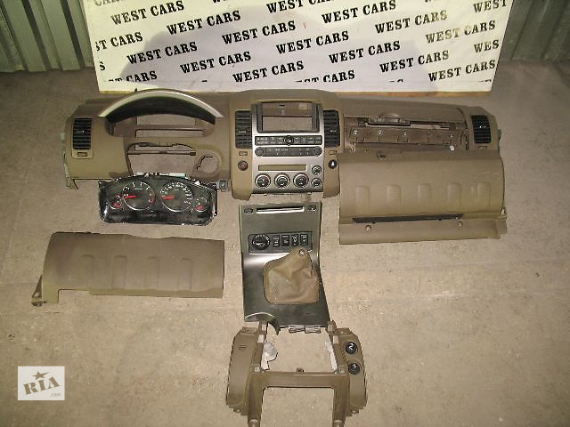 Б/у центральная консоль для легкового авто Nissan Pathfinder 2006- объявление о продаже  в Луцке