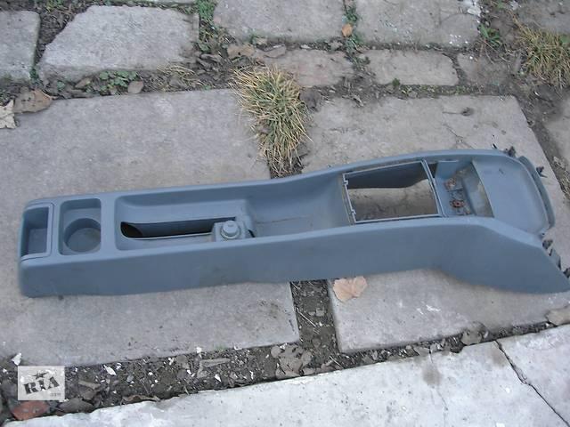 купить бу Б/у центральная консоль для легкового авто Skoda Fabia 00-07  в Запорожье