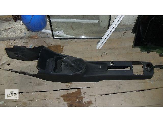 продам Б/у центральная консоль для легкового авто Skoda Fabia 2008 бу в Коломые