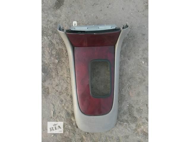 бу Б/у верхняя накладка центральной консоли 58822-33060-B1 58804-33630-D0 для седана Lexus ES 330 2004, 2005г в Киеве