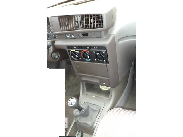 бу Б/у центральная консоль для седана Peugeot 405 1987-1993г в Киеве