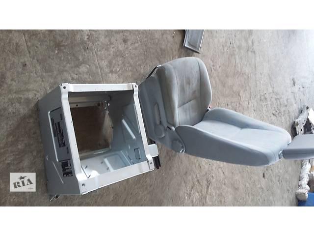 Б/у Тумба под сиденье для автобуса Volkswagen Crafter Фольксваген Крафтер 2.5 TDI 2006-2010- объявление о продаже  в Рожище