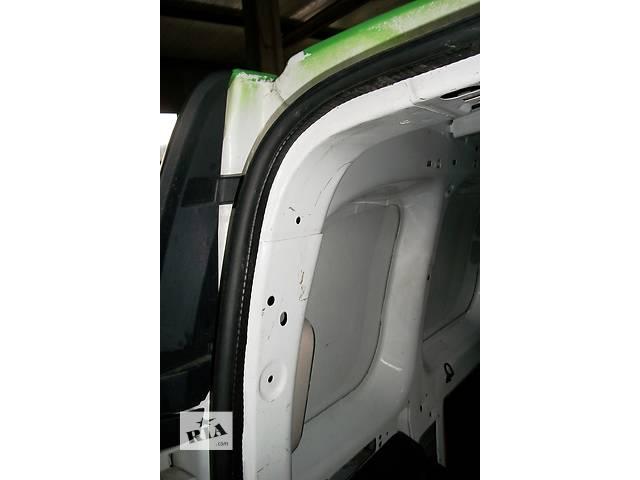 купить бу Б/у Уплотнитель двери Renault Kangoo Рено Кенго Канго 2 1,5 DCI в Луцке