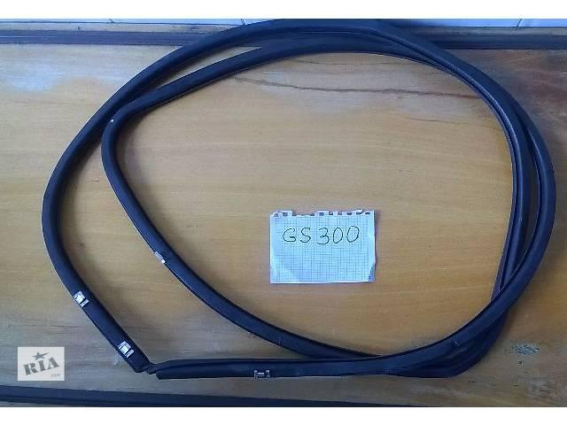 продам Б/у уплотнитель крышки багажника для седана Lexus GS 300 2007г бу в Киеве