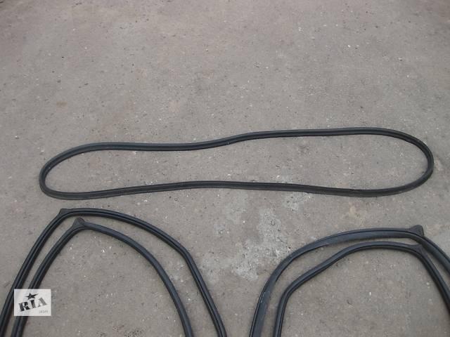 продам Б/у уплотнитель крышки багажника уплотнитель крышки багажника Mazda 3 бу в Львове