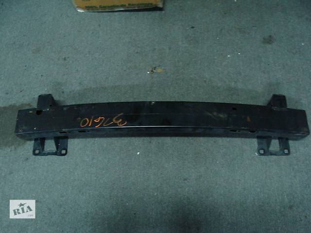продам Б/у усилитель переднего бампера для легкового авто Dodge Avenger 2007-2012 бу в Киеве