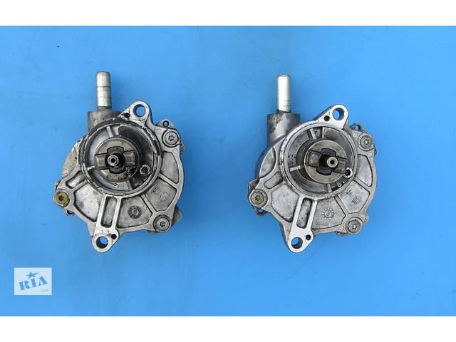 купить бу  Б/у вакуумный насос 2.2 CDI Mercedes Sprinter 906 (215, 313, 315, 415, 218, 318, 418, 518) (2006-2012) в Ровно