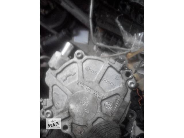 продам Б/у вакуумный насос для легкового авто Audi A4 2010 бу в Львове