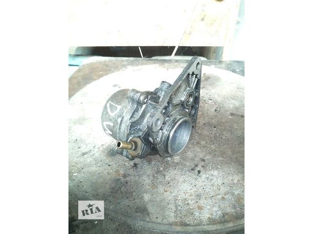продам Б/у вакуумный насос для легкового авто Peugeot Partner Expert 1.9D бу в Ковеле