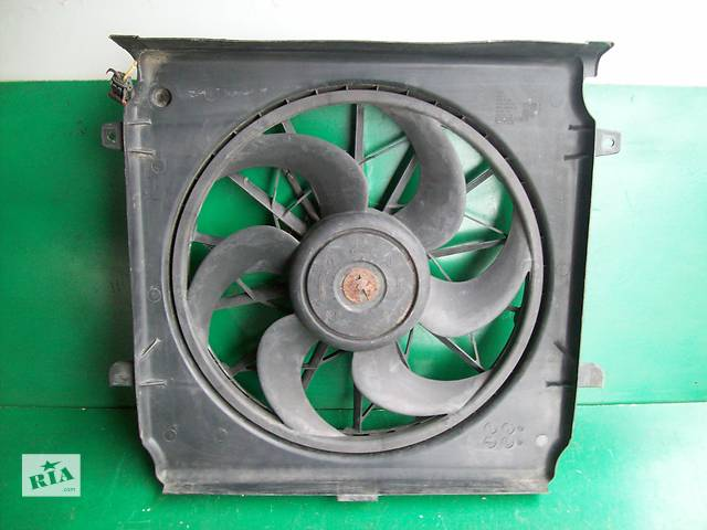 продам Б/у вентилятор осн радіатора для легкового авто Jeep Cherokee K1 бу в Луцке