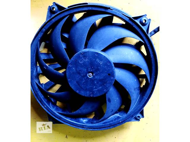 купить бу  Б/у вентилятор осн радиатора Фіат Фіат Скудо Fiat Scudo 2,0/1,6 с 2007- в Ровно