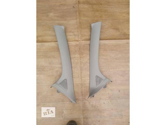 продам Б/у внутренняя накладка стойки лобового стекла 62212-0D100-B0, 62211-0D100  для хэтчбека Toyota Yaris 2008г бу в Киеве