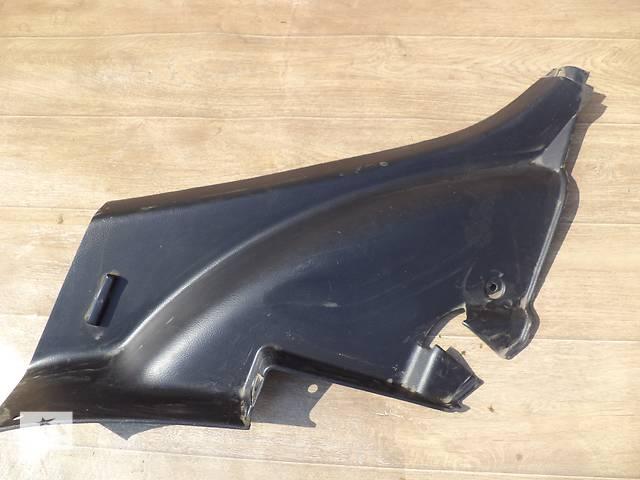 Б/у внутренняя обшивка задней стойки нижняя 62551-48040-C0 правая и 62552-48020-C0 лев для кроссовера Lexus RX 350 2007г- объявление о продаже  в Киеве