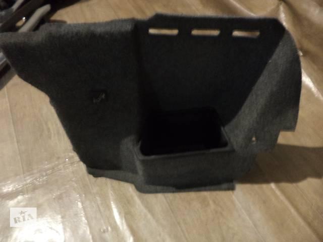 продам Б/у внутренняя обшивка багажника задней правой стойки для седана BMW 525 Е34 1993г бу в Киеве