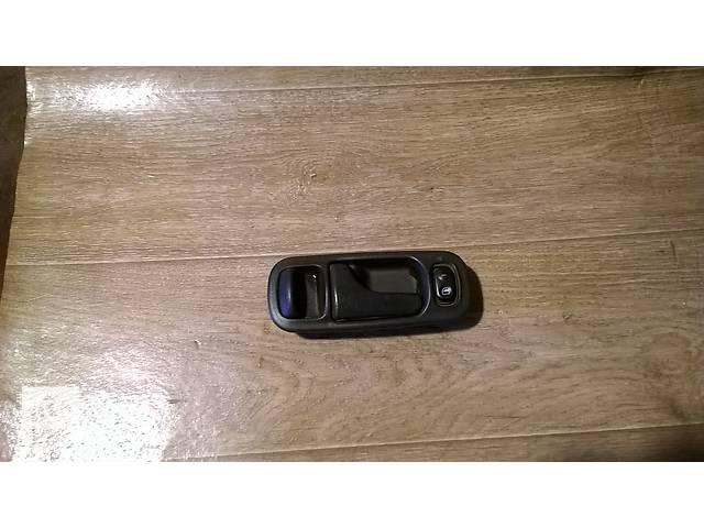 купить бу Б/у внутренняя ручка двери  для седана Nissan Primera P10 1993г в Николаеве
