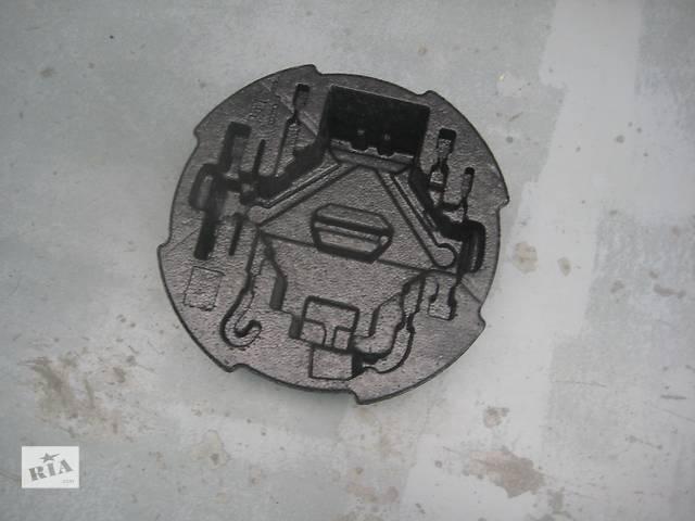 бу Б/у внутрішні компоненти кузова для хетчбека Kia Ceed в Киеве