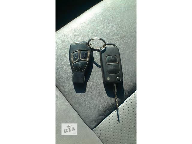 Б/у внутренние компоненты кузова для Ключ зажигания легкового авто Mercedes- объявление о продаже  в Хмельницком