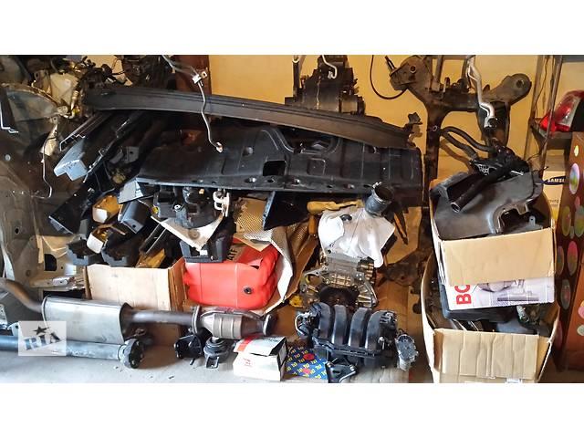 бу Б/у внутренние компоненты кузова для кроссовера Hyundai Santa FE в Одессе