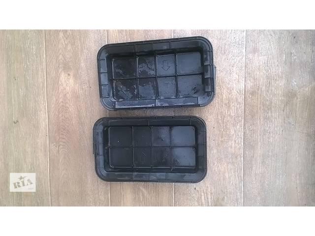 купить бу Б/у решётка вентиляции кузова задняя 62940-33050, 62997-48010 для кроссовера Lexus RX 350 2007г в Николаеве