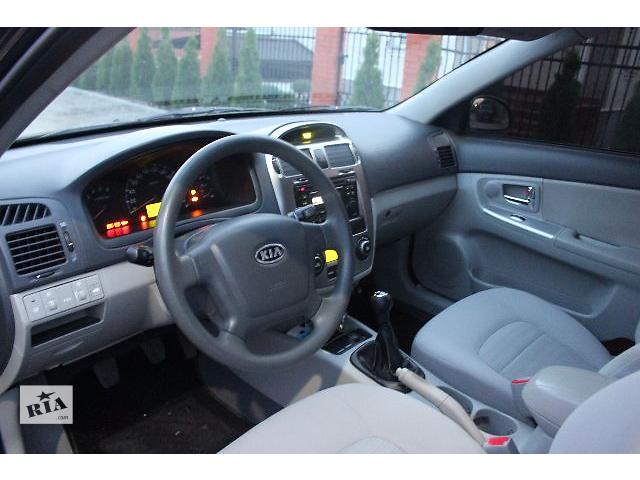 купить бу Б/у внутренние компоненты кузова для легкового авто Kia Cerato в Ровно