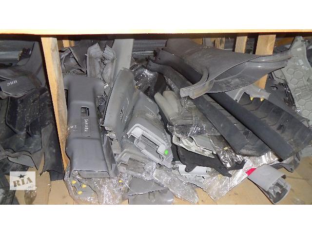 Б/у внутренние компоненты кузова для легкового авто Skoda Fabia 2008- объявление о продаже  в Коломые