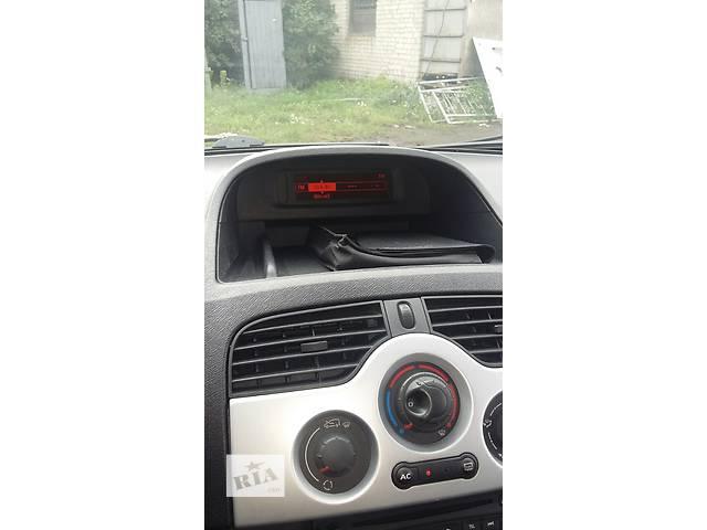 купить бу Б/у Информационный дисплей Легковой Рено Кенго Канго Renault Kangoo 1,5 dci пасс. 2010 в Луцке