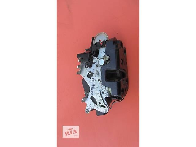 продам Б/у замок двери боковой сдвижной Mercedes Vito (Viano) Мерседес Вито (Виано) V639 (109, 111, 115, 120) бу в Ровно