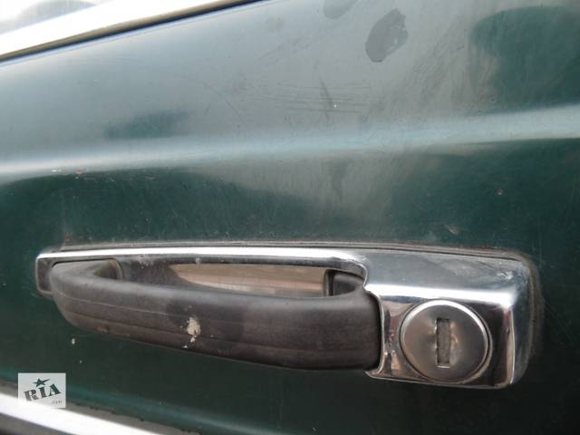 купить бу Б/у замок двери для легкового авто Mercedes 123 в Дубно (Ровенской обл.)