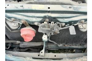 б/у Замок капота Toyota Avensis