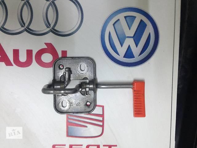 купить бу Б/у замок капота для легкового авто Volkswagen Polo в Полтаве
