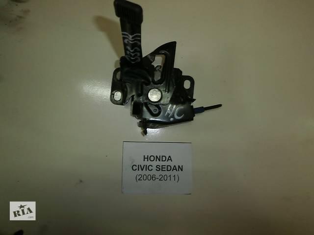 продам Б/у замок капота для седана Honda Civic бу в Киеве