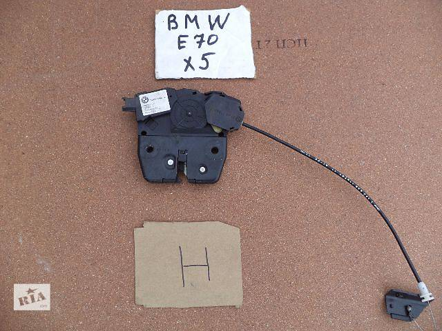 купить бу Б/у замок крышки багажника для кроссовера BMW X5 2008г в Киеве