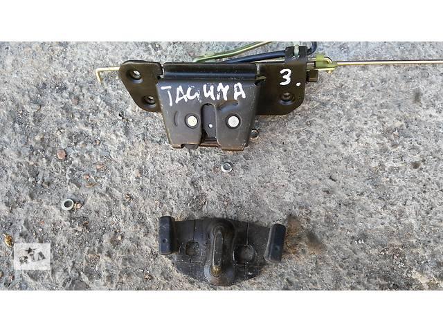 продам Б/у замок крышки багажника для легкового авто Chevrolet Tacuma бу в Умани