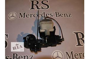 б/у Замок крышки багажника Mercedes S-Class
