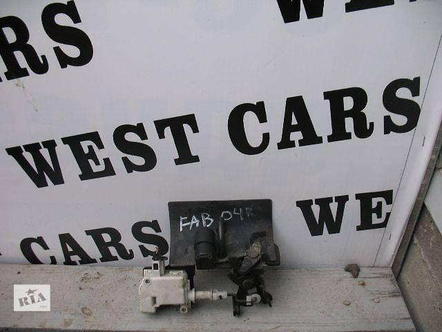 купить бу Б/у замок крышки багажника для легкового авто Skoda Fabia 2005 в Луцке