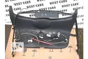 ограничитель двери багажника skoda octavia