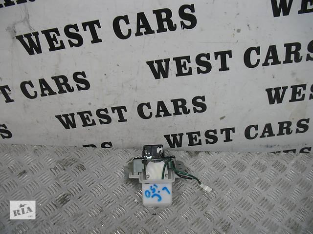 бу Б/у замок крышки багажника для легкового авто Toyota Land Cruiser Prado 150 в Луцке