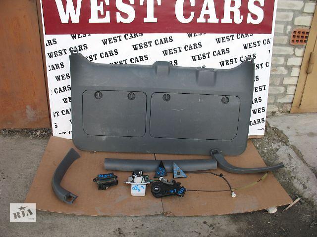 купить бу Б/у замок крышки багажника для легкового авто Toyota Land Cruiser Prado 150 в Луцке