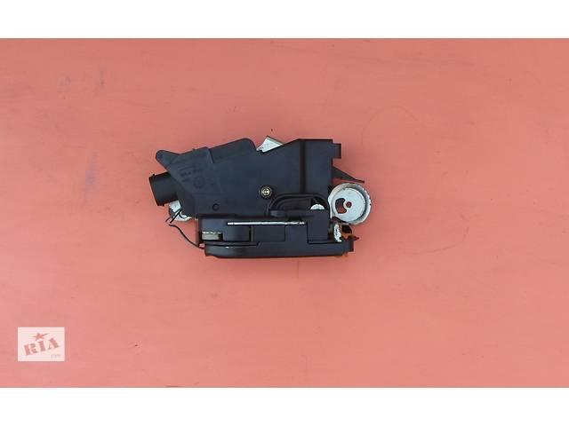 купить бу Б/у замок крышки багажника, ляды Mercedes Vito (Viano) Мерседес Вито (Виано) V639 (109, 111, 115, 120) в Ровно