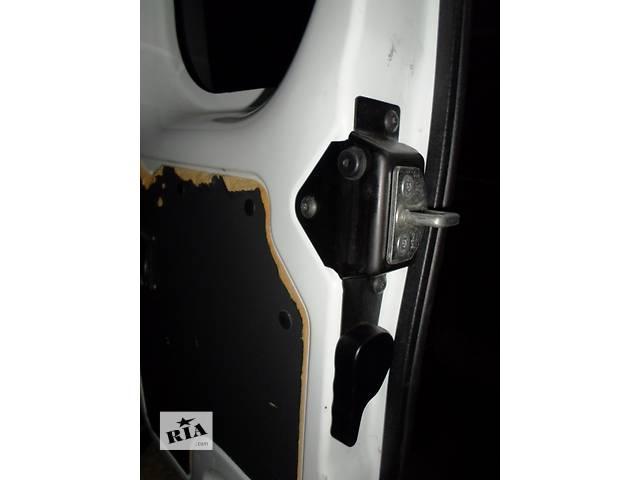 купить бу Б/у Замок задней двери Renault Kangoo Рено Канго Кенго 1,5 DCI К9К B802, N764 2008-2012 в Луцке