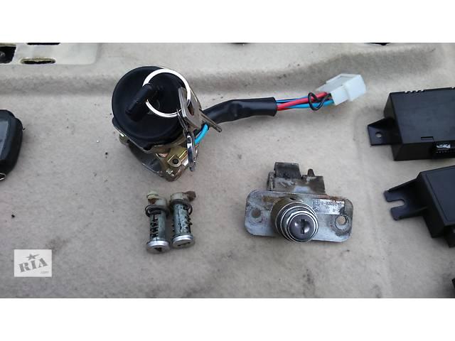 купить бу Б/у замок зажигания/контактная группа для легкового авто ВАЗ 21099 в Полтаве