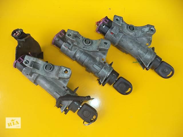 купить бу Б/у замок зажигания/контактная группа для легкового авто Volkswagen T5 (Transporter)(03-...) в Луцке