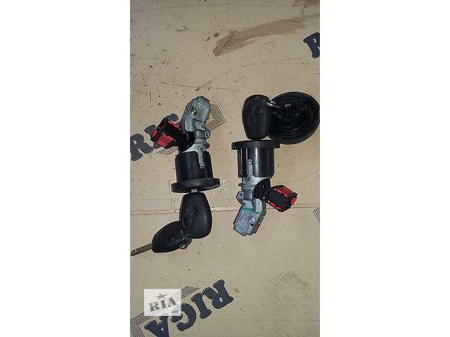 купить бу Б/у Замок зажигания запалювання Renault Kangoo Кенго 1,5 DCI К9К 2008-2012 в Рожище