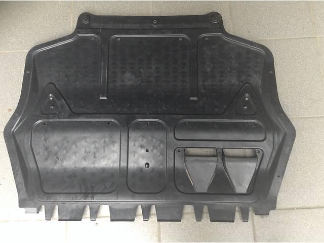 бу Б/у защита под двигатель для легкового авто Skoda Octavia A5 в Львове