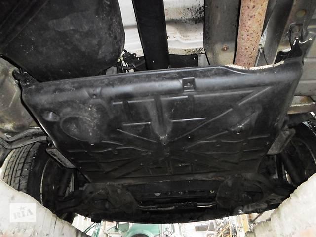 продам Б/у защита под двигатель для легкового авто Volkswagen Crafter бу в Луцке